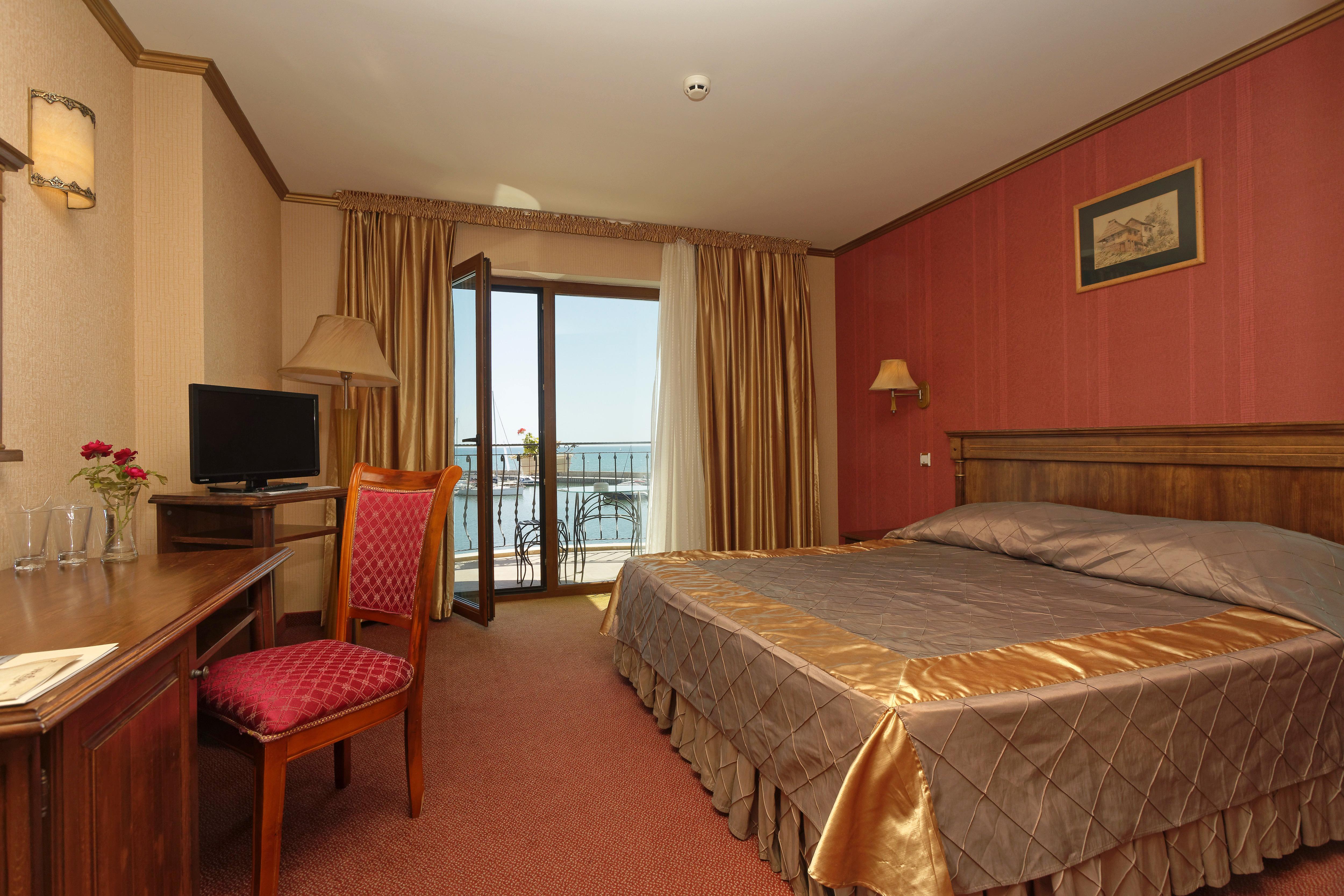 Двойна стая с изглед към море
